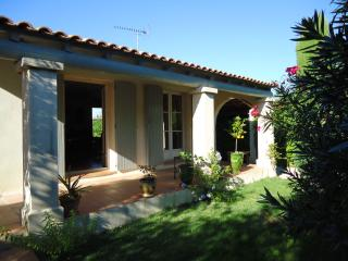 Villa with swimming pool near the seaside - Lunel vacation rentals