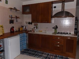 Cozy 2 bedroom Province of Lecco Condo with Microwave - Province of Lecco vacation rentals