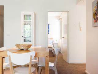 Charming 2 bedroom Apartment in South Melbourne with Internet Access - South Melbourne vacation rentals