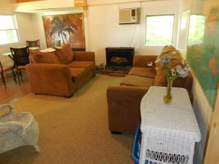 COTTAGE BUNGALOW near Lake Erie - Erie vacation rentals