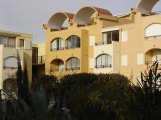 Nice Condo with Internet Access and A/C - Gruissan vacation rentals
