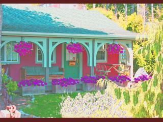 Sandalwood Cottage near beach (Clng. fee Inc) - Birch Bay vacation rentals