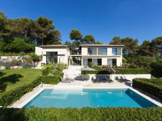 JdV Holidays Villa Paradisier, stylish villa with pool plus separate apartment - Valbonne vacation rentals