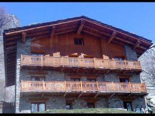 Cozy 2 bedroom Apartment in Savoie - Savoie vacation rentals