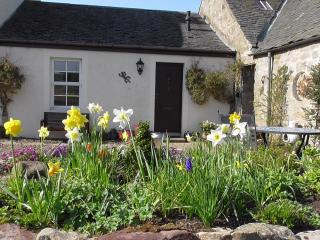 MidKinleith Farm Garden Cottage - Edinburgh vacation rentals