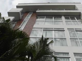 Apartamentos Juanambu /Centenario - Cali vacation rentals