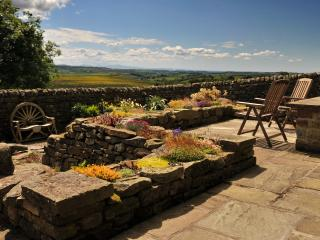 Stunning views above Hadrian's Wall, Gilsland. - Haltwhistle vacation rentals