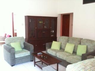 Three bedroom Ocean-view apartment in Colombo 3 - Colombo vacation rentals