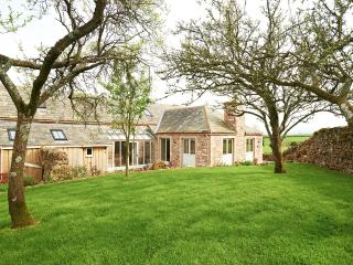 Beautiful 4 bedroom Villa in Lake District with Internet Access - Lake District vacation rentals