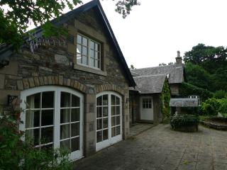 Beautiful 1 bedroom Condo in Pitlochry with Outdoor Dining Area - Pitlochry vacation rentals