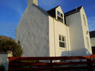 2 bedroom Cottage with Internet Access in Kinlochbervie - Kinlochbervie vacation rentals