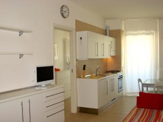 Residenza Argento bilo B balcone e vista mare - Gabicce Mare vacation rentals