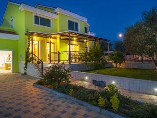 Villa Maslina, Tribunj - Tribunj vacation rentals