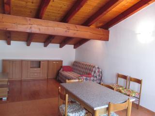 Appartamento Mansardato Charvensod - Charvensod vacation rentals
