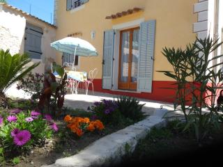Cozy 1 bedroom Gite in La Colle sur Loup with Internet Access - La Colle sur Loup vacation rentals