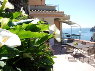 Home Fiorita Sea View - Minori vacation rentals