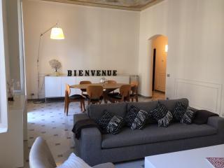 Beautiful 2 bedroom La Spezia Apartment with Internet Access - La Spezia vacation rentals