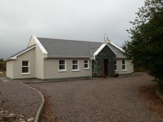 Perfect 3 bedroom Bungalow in Killorglin - Killorglin vacation rentals
