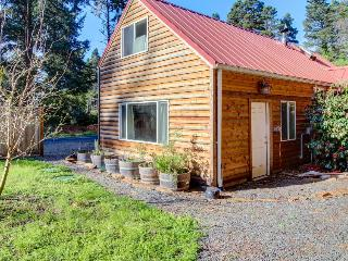 Quiet, dog-friendly cabin close to the beach with tons of character! - Otter Rock vacation rentals