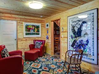 Quiet, pet-friendly cabin close to the beach - Otter Rock vacation rentals