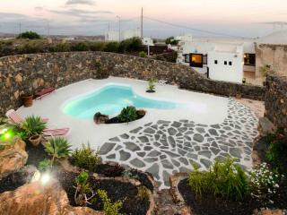 2 bedroom House with Garden in Tias - Tias vacation rentals