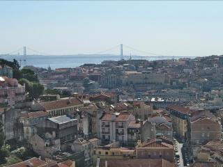 Nice Condo with Elevator Access and Wireless Internet - Lisbon vacation rentals