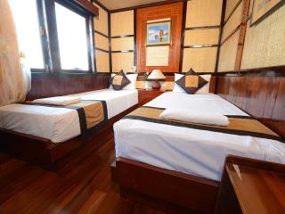 Halong Imperial Classic Cruise - Halong Bay vacation rentals