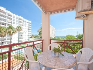 Ocean view, pool, 5 person, family, a / c, - Playa de Gandia vacation rentals