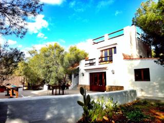 Villa on 2 levels set in a park close to the beach - Ibiza vacation rentals