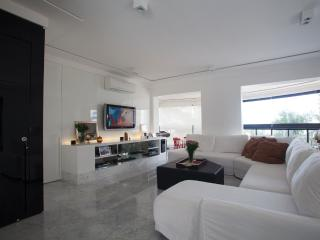Comfortable Taboao da Serra Apartment rental with A/C - Taboao da Serra vacation rentals