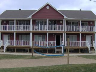 Nice 6 bedroom Carlton Place Chalet with Deck - Carlton Place vacation rentals