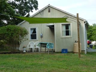 Gorgeous Cottage with Sauna and Parking - Jewett City vacation rentals