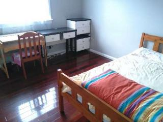 GolfCourseClub SwimPool side Clean DoubleRoom - Kumeu vacation rentals