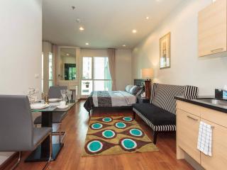 Dazzling Studio in Luxury Condo - Bangkok vacation rentals