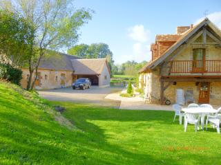 Wonderful 4 bedroom Gite in Le Mans with Cleaning Service - Le Mans vacation rentals