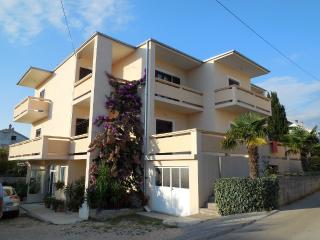 Apartment in Novalja for 10 person - Novalja vacation rentals