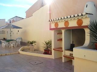 4 bedroom villa with pool, Carvoeiro. - Carvoeiro vacation rentals