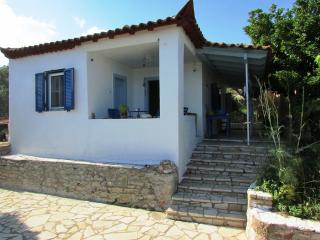 Nice 2 bedroom Koroni Cottage with Internet Access - Koroni vacation rentals