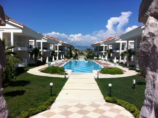 Perfect 2 bedroom Side Apartment with Internet Access - Side vacation rentals