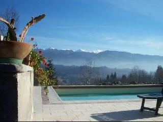Comfortable 3 bedroom Condo in Camporgiano with Internet Access - Camporgiano vacation rentals