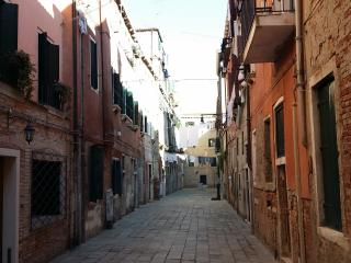 Corte Nova apartment, 10 minutes from San Marco - Venice vacation rentals