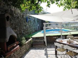 Bright 2 bedroom Camporgiano House with Outdoor Dining Area - Camporgiano vacation rentals
