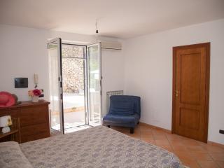 Lacco Ameno Ischia appartamento vacanze in villa - Lacco Ameno vacation rentals