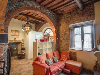 Vacation Home Tuscany Filettole 1 - Vecchiano vacation rentals