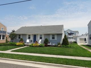 214 102nd Street in Stone Harbor, NJ - ID 526745 - Stone Harbor vacation rentals
