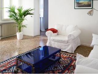 3 bedroom Apartment with Internet Access in Bassano Del Grappa - Bassano Del Grappa vacation rentals