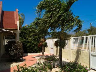 3 bedroom House with Internet Access in Paradera - Paradera vacation rentals