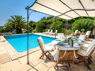 JdV Holidays Villa Cardamine, spacious 4 bed overlooking Cannes with privatepool - Cannes vacation rentals