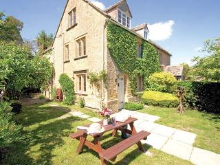 Charming House with Internet Access and Television - Longborough vacation rentals