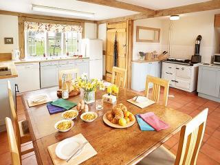 Beautiful 2 bedroom House in Pembridge - Pembridge vacation rentals
